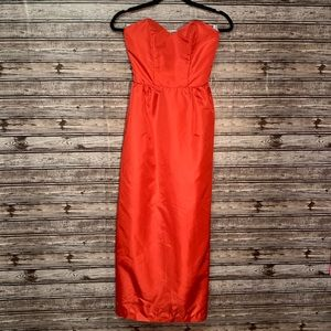 Vintage Sweetheart Cut Strapless Gown